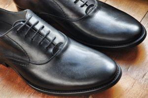 berbelanja sepatu