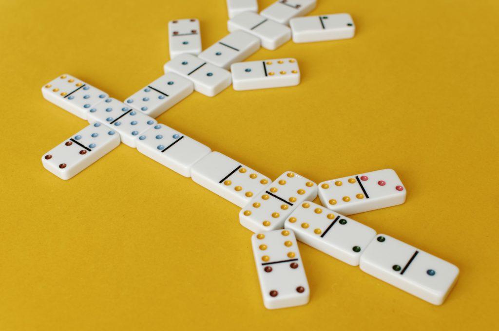 Rumus Main Domino dengan Perhitungan Sederhana