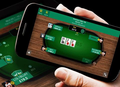 Great Benefits of Downloading Online Poker APK